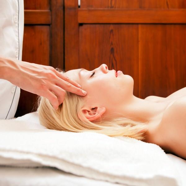 頭皮が固いのを改善する7つ方法